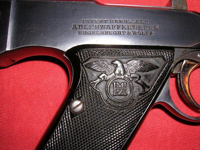 Пистолет Адлер
