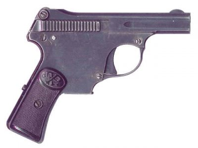 Erika Selbstlade Pistole