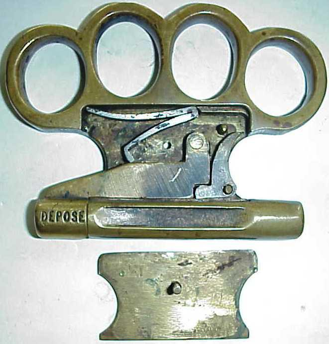 Pistol - knuckle duster Le Poilu