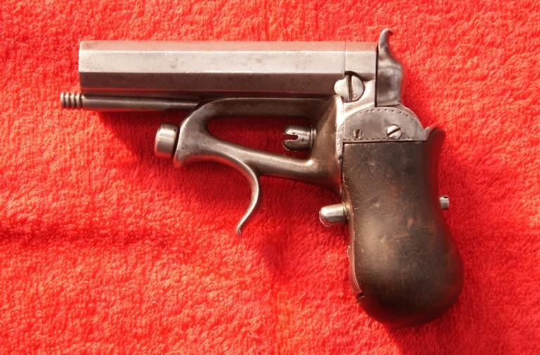 Delvigne with percussion Derringer or pocket pistol