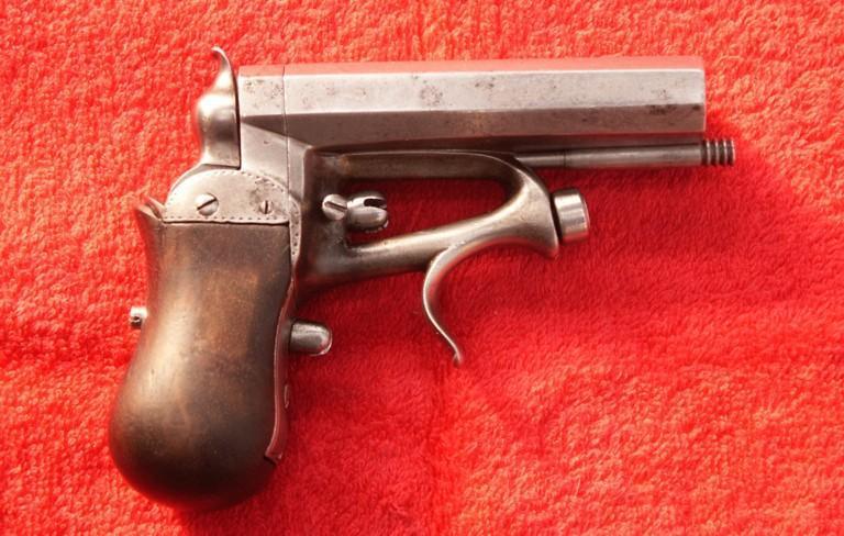пистолет Delvigne.