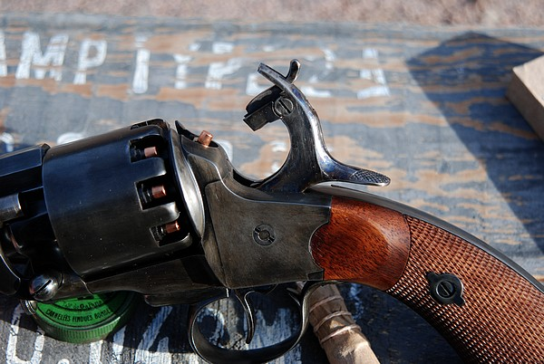 Морская модель револьвера Ле Ма производства компании Пиетта