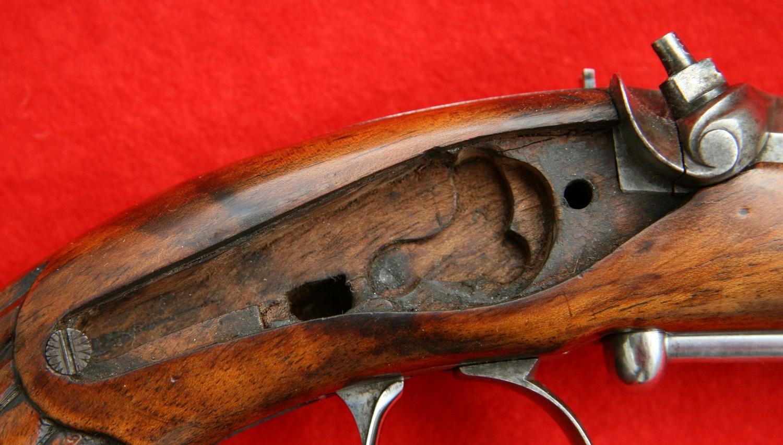 Старинный капсюльный пистолет