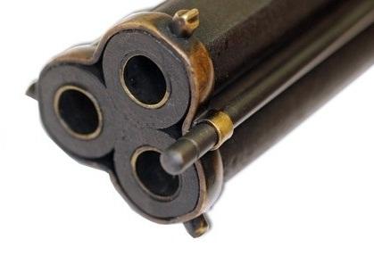 Японский трехствольный пистолет с фитильным замком