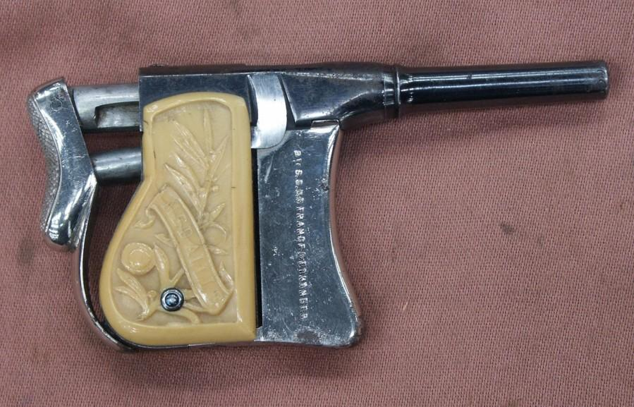 The pistol Squeezer Renovator