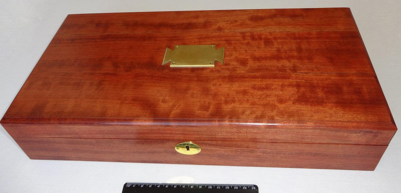 Оружейный ящик для старинного пистолета