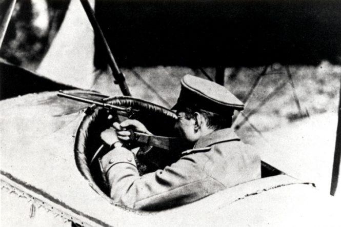 Parabellum long P.08 in aviators