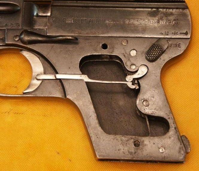 """Бельгийский пистолет Николаса Пипера модель 1909 года """"Demontant"""""""
