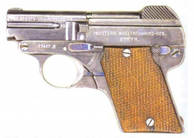 Steyr-Pieper Pistol Model 1909 A second series with wooden grips