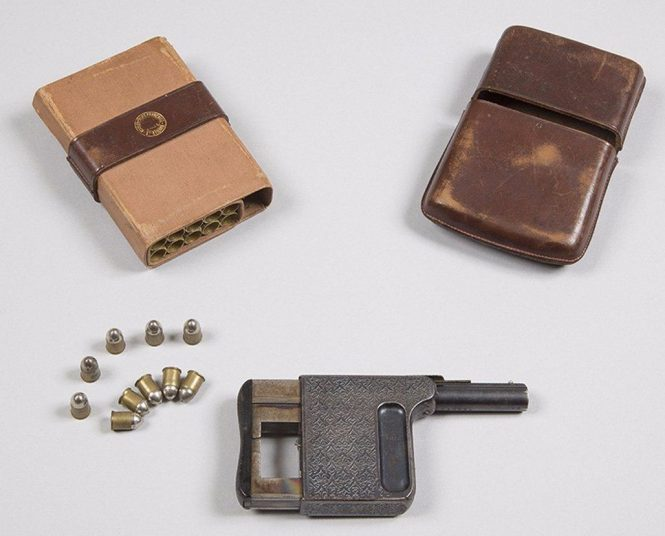 "Gaulois pistols Factory leather ""cigar case"" with a compartment for the pistol and another for cartridge"